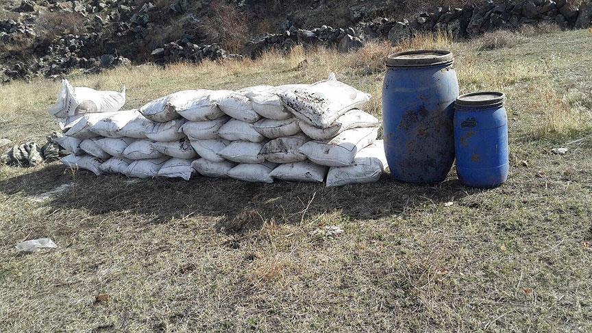 Ağrı Dağı'nda operasyonda bin 650 kilo amonyum nitrat ele geçirildi