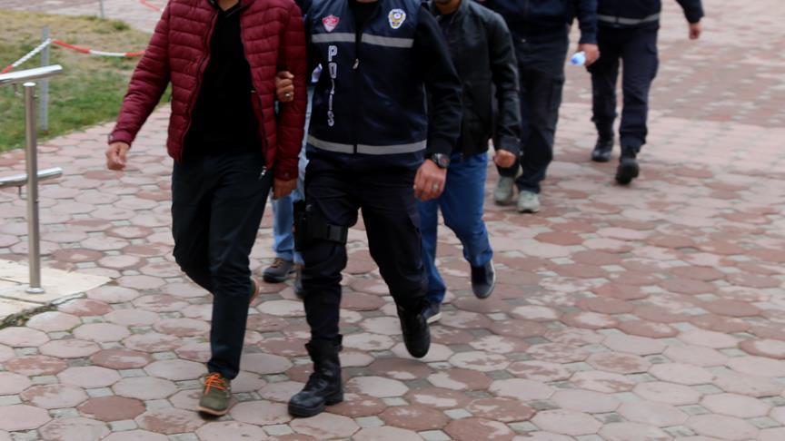 Diyarbakır merkezli FETÖ operasyonu: 34 gözaltı