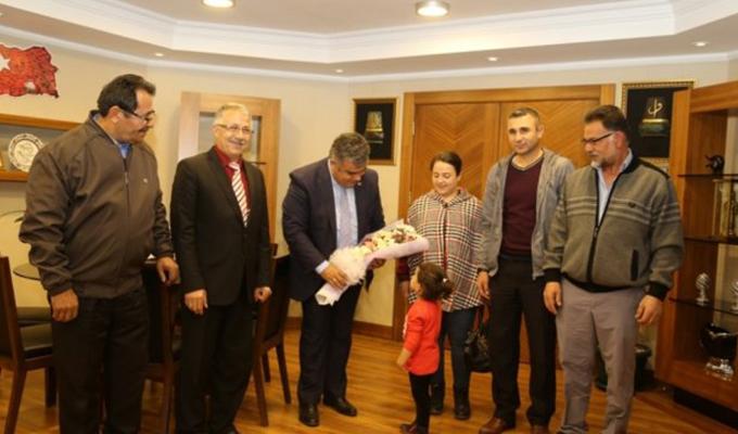 Konya Haber:  Konya Ereğli Belediye Başkanı Özgüven, Mahalle sakinlerini kabul etti.