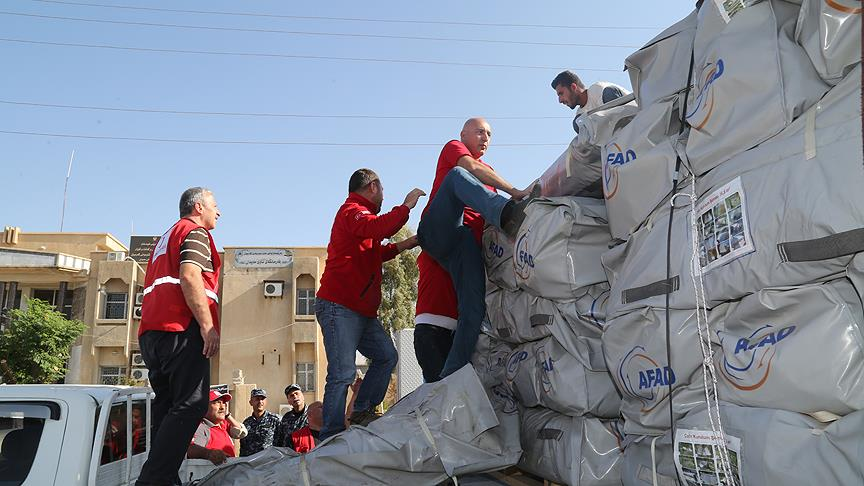 Türk Kızılayı'ndan Derbendihan ilçesinde çadır yardımı