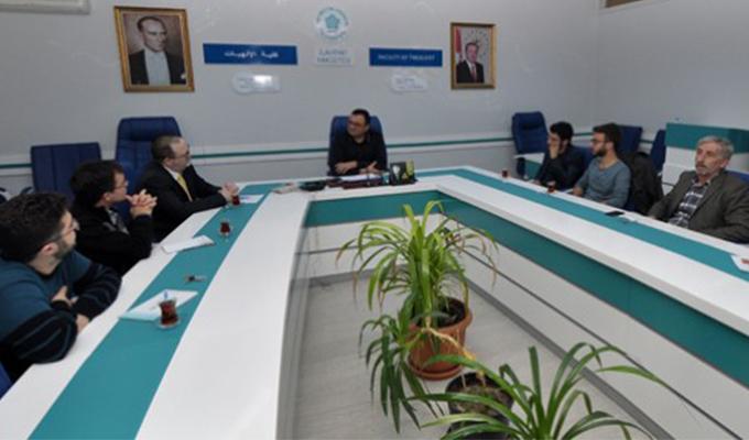 Konya Haber:  NEÜ'de İngilizce Yuvarlak Masa Seminerleri devam ediyor