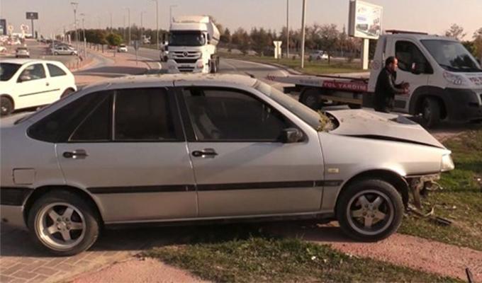 Konya Haber:  Konya'da otomobil ağaca çarptı!