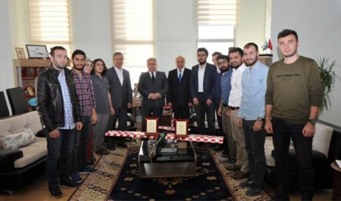 Konya Haber:  Konya'da İnsansız Hava Aracı Yarışmasından NEÜ'lü mühendis adaylarına ödül