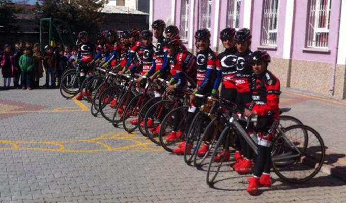 Konya Haber:  Çatalhüyük Çumra BelediyeSpor Bisiklet Takımı Okulumuzu Ziyaret Etti.