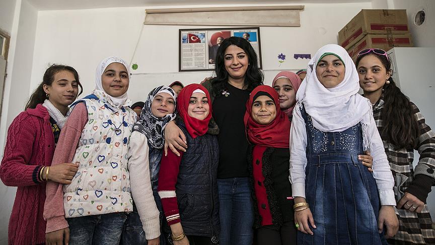 Suriyeli öğrenciler geleceğe Türkiye'de hazırlanıyor.