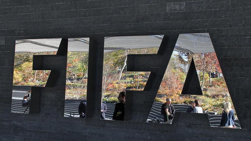 FIFA'dan eski üyelerine ömür boyu men cezası