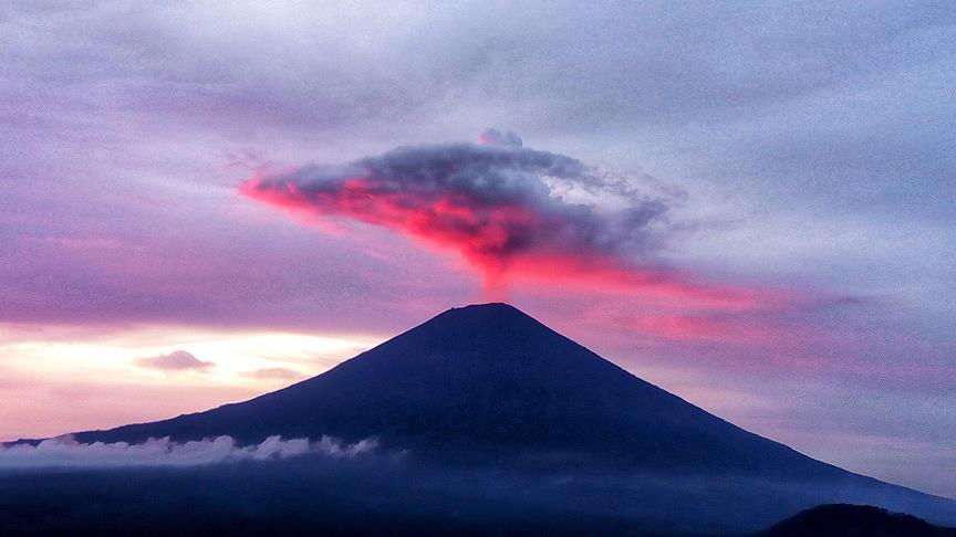 Agung Yanardağı'nda hareketlilik nedeniyle uçuşlar iptal oldu
