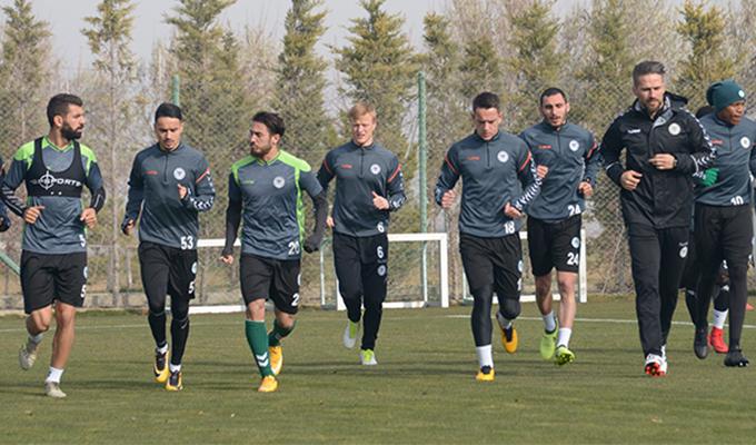 Konyaspor'da Avrupa mesaisi moralsiz başladı