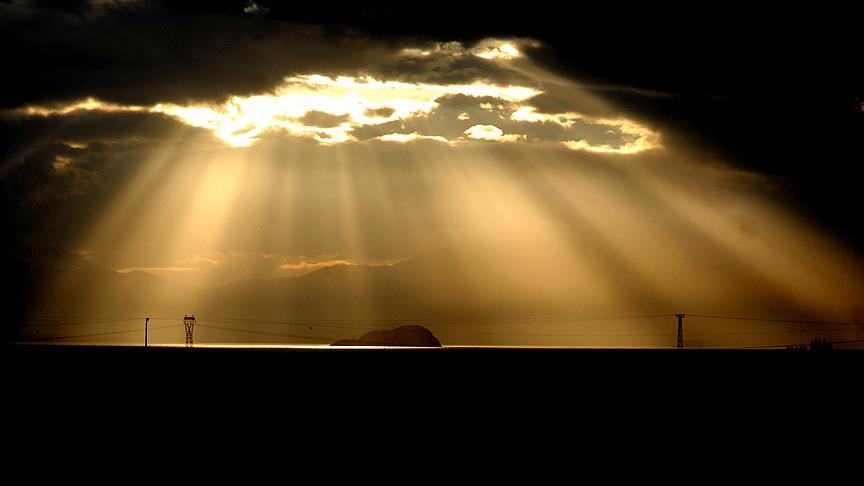 Uçak trafiğinde elektrik yüklü bulut engeli