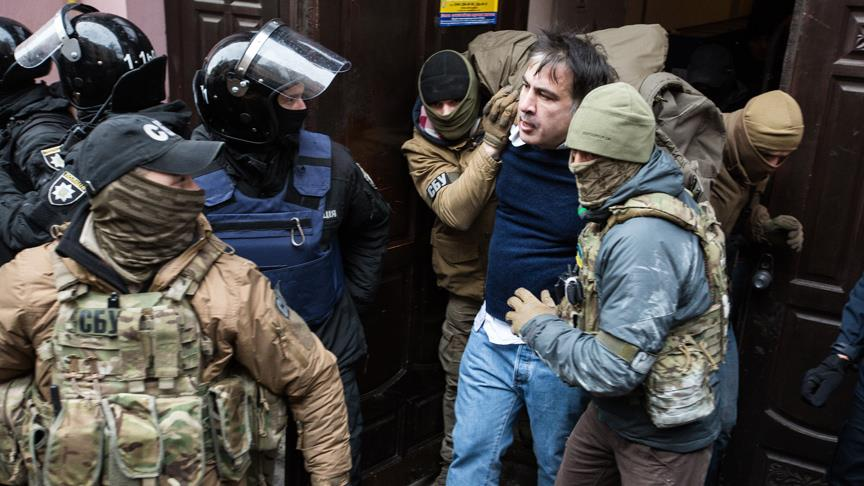 Taraftarları Saakaşvili'nin serbest kalmasını sağladı