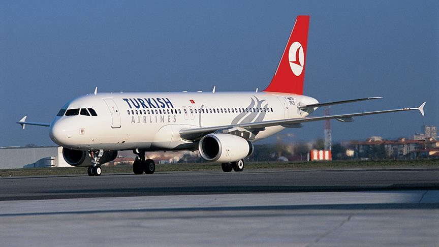 Yıldırım isabet eden uçak Atatürk Havalimanı'na döndü
