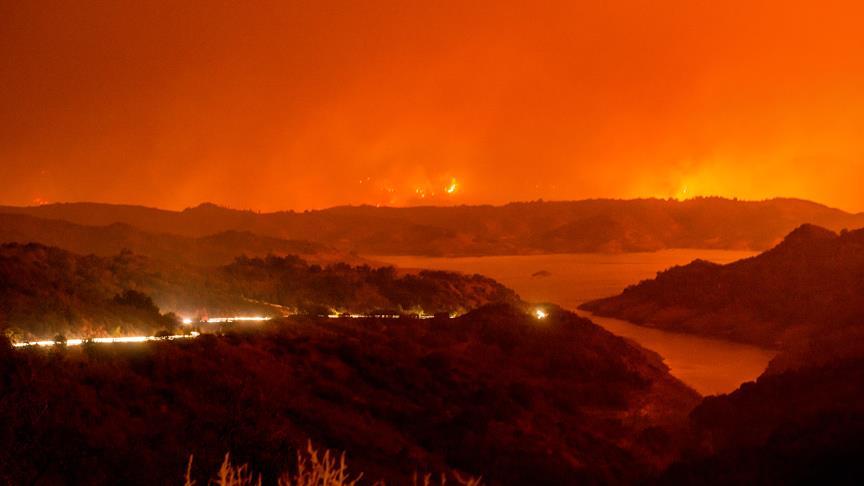 Kaliforniya'daki orman yangınında yüzlerce kişi tahliye edildi
