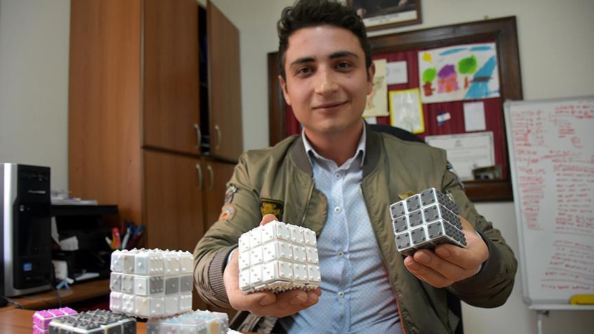 Üniversite öğrencisi görme engelliler için 'zeka küpü' hazırladı