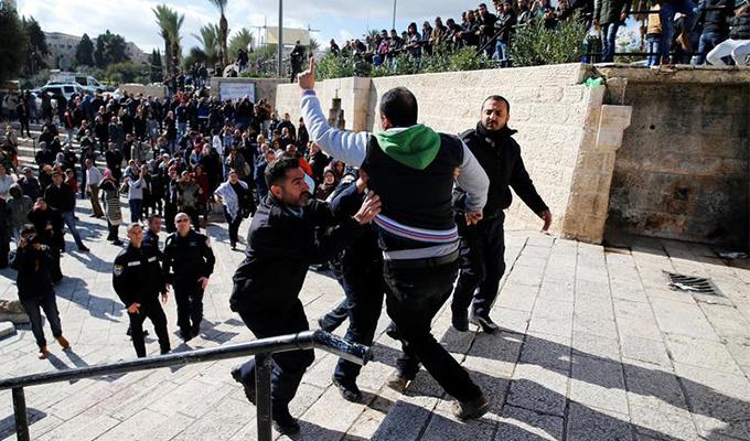Kudüs karıştı İsrail askerleri müdahale ediyor