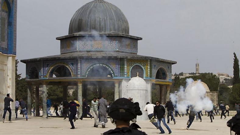 Göstericilere Gerçek Mermi ve Göz Yaşartıcı Gazla Müdahale