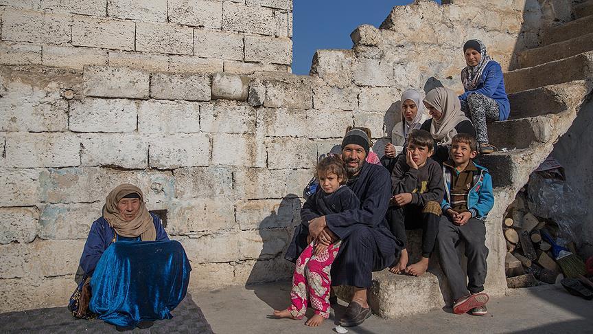 Terör baskısından kaçıp Türkiye'ye sığındılar