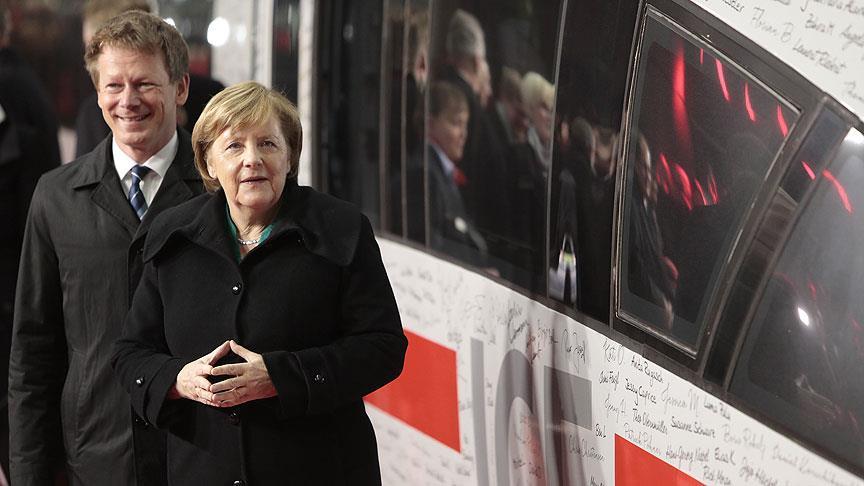 Berlin-Münih yüksek hızlı treni ilk seferinde yolda kaldı