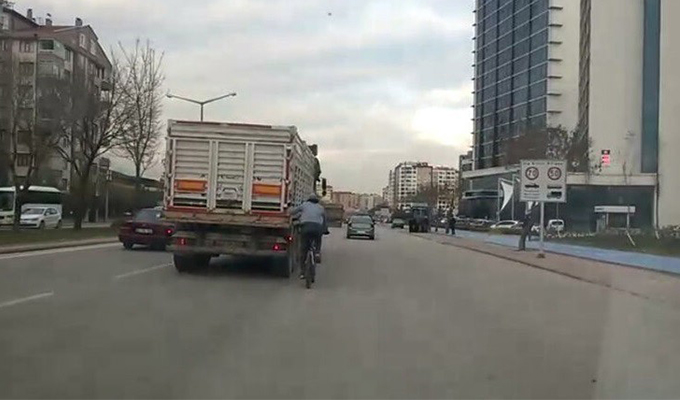 Konya Haber: Canını Hiçe Sayan Bisikletci
