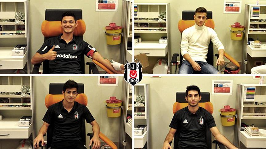 Beşiktaş, 4 genç oyuncusuyla profesyonel sözleşme imzaladı