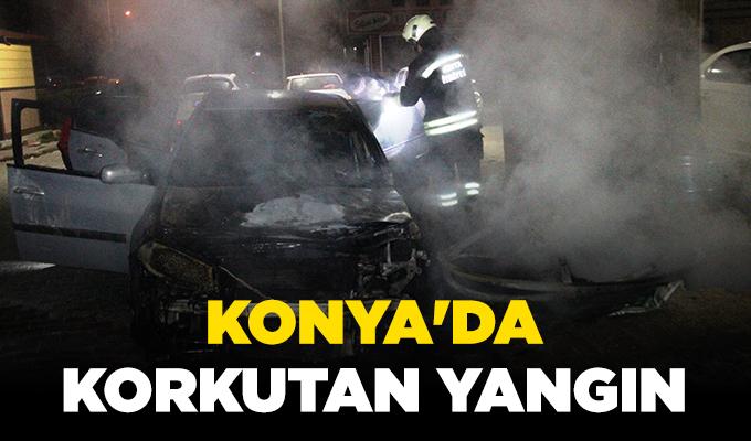 Konya'da çöp konteynerinde çıkan yangın, park halindeki otomobili yaktı