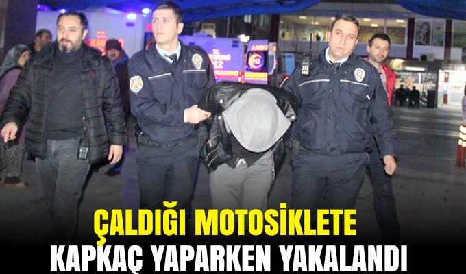 Konya'da çaldığı motosiklete kapkaç yaparken yakalandı
