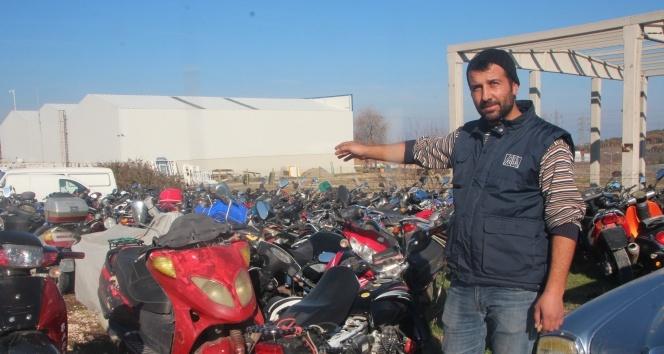 1 milyon lira değerindeki motosikletler çürüyor