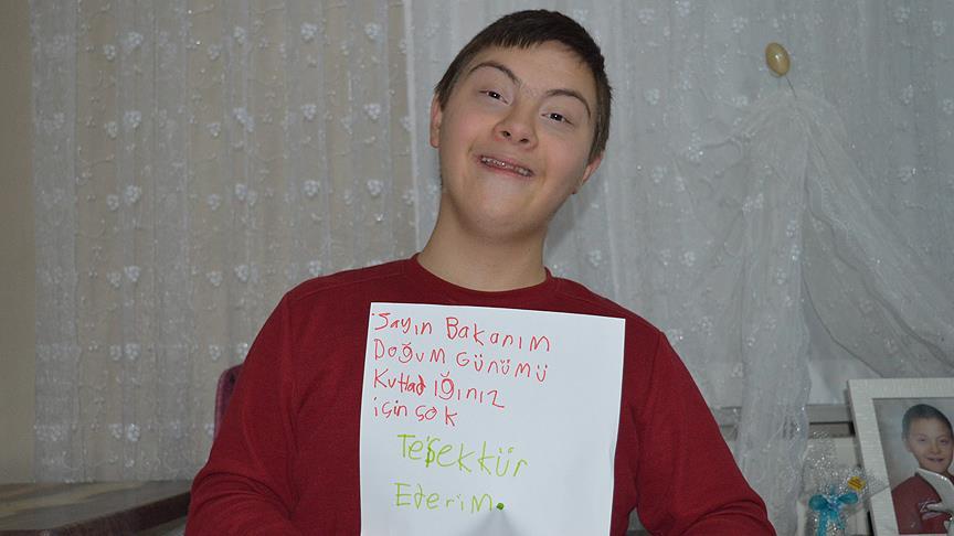 Down sendromlu gençten Bakan Bak'a teşekkür