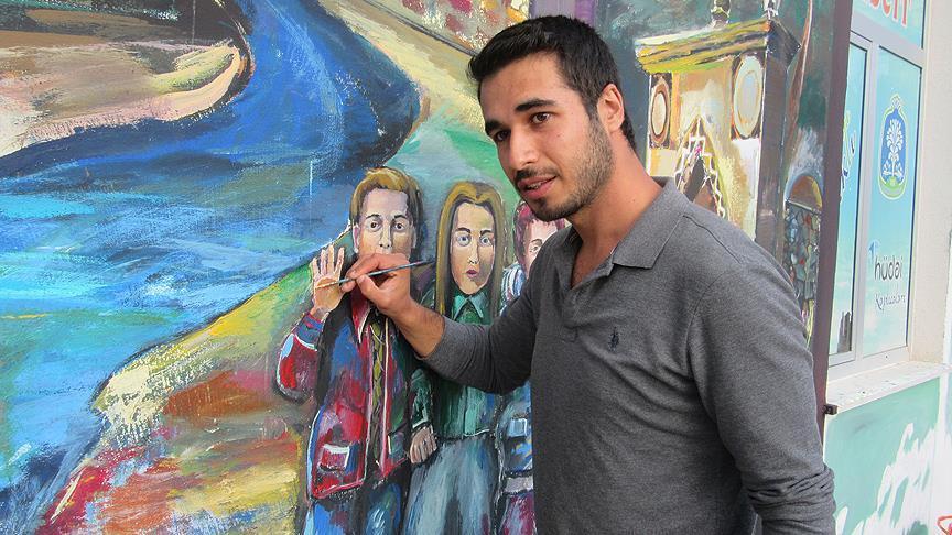 Kaplıca duvarlarına Anadolu kültürünü çiziyor