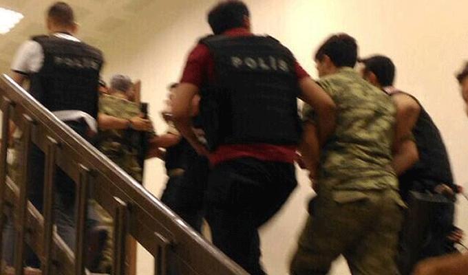 Bugün gözaltına alınan rütbeli askerlerin arasında onlar var!