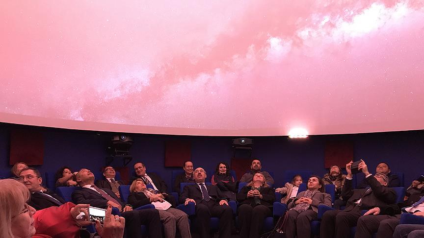 Türkiye'nin ilk 4K çözünürlüklü planetaryumu açıldı