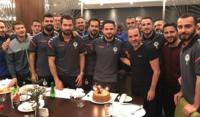Ömer Ali'ye kampta doğum günü sürprizi