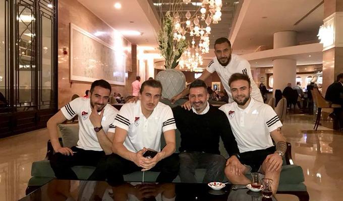 Ahmet Sabri Fener dostlarıyla