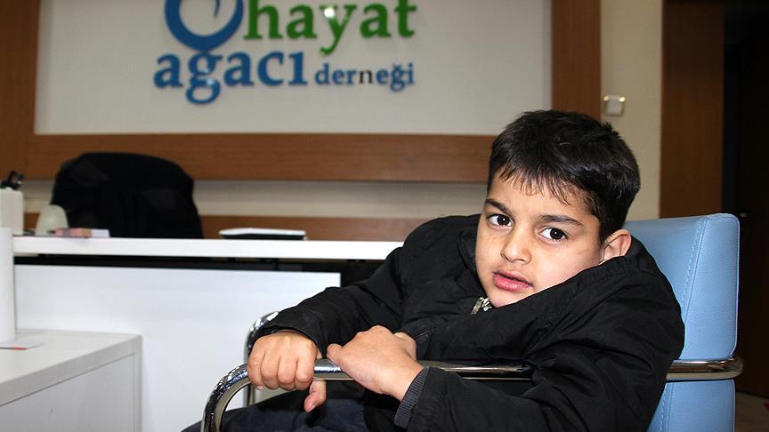 Suriyeli Muhammed'in tekerlekli sandalye sevinci