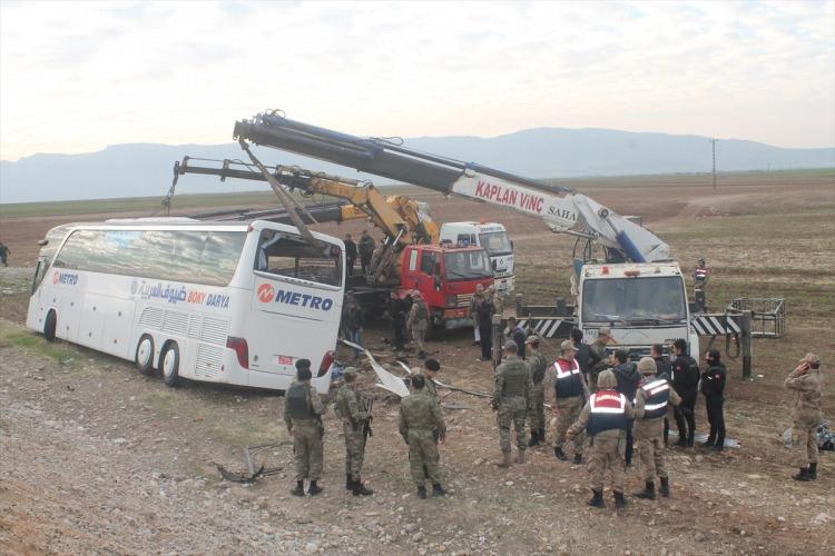 Yolcu otobüsü kaza yaptı! 9 ölü, 28 yaralı!