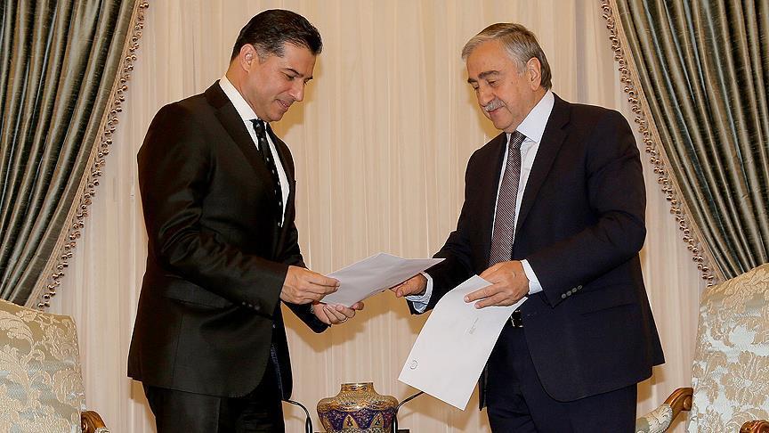 KKTC'de Başbakan Özgürgün koalisyon hükümetinin istifasını sundu