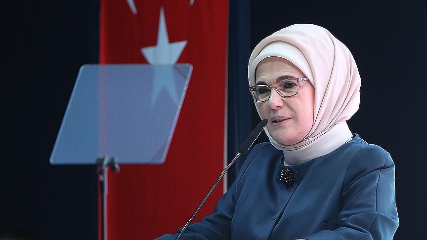 Emine Erdoğan: Kahraman Mehmetçiğimize muvaffakiyetler diliyorum
