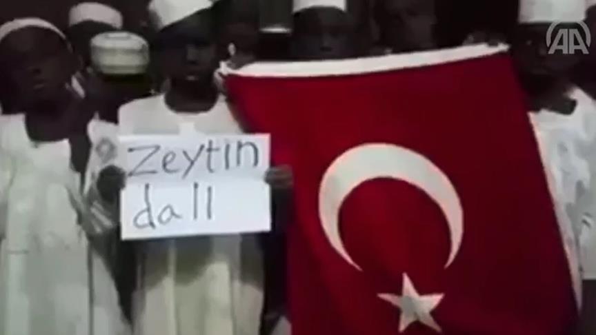 Sudanlı yetimlerden Türk askerine dua