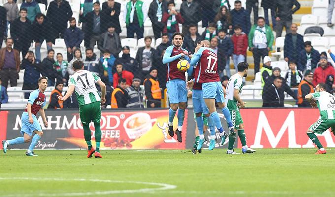 Konyaspor, sahasında 7 yıldır Trabzonspor'a yenilmiyor