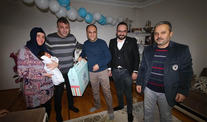 Özaltun'dan bebek sahibi olan ailelere ziyaret