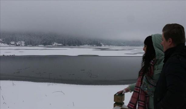 Abant Gölü kısmen buz tuttu