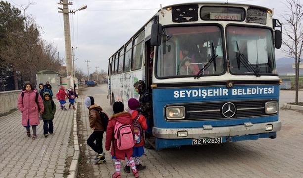 Ortakaraören Mahallesindeki Servis Sorunu Çözüldü