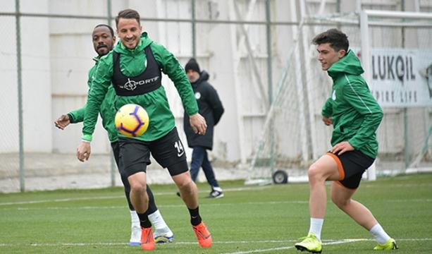 Atiker Konyaspor 2 eksikle çalıştı