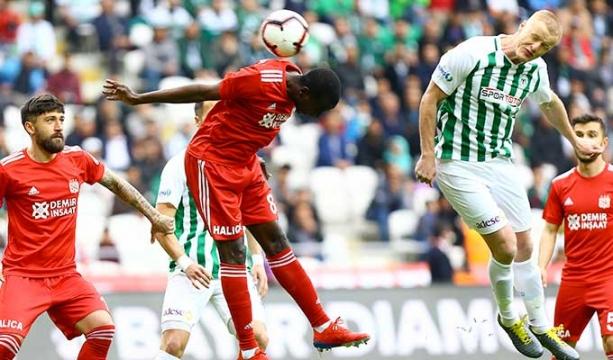 Konyaspor, 8 yıl sonra ilk kez bu kadar galibiyete hasret kaldı