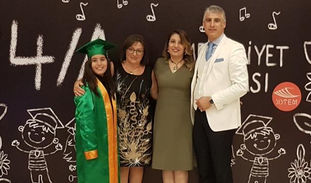 Özgül Ailesi'nin mezuniyet heyecanı