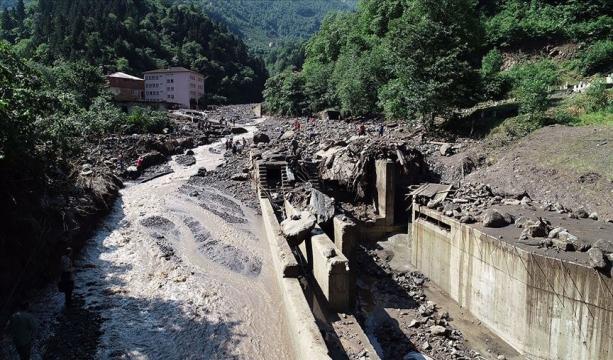 Araklı'daki sel felaketinde ölü sayısı 4'e yükseldi