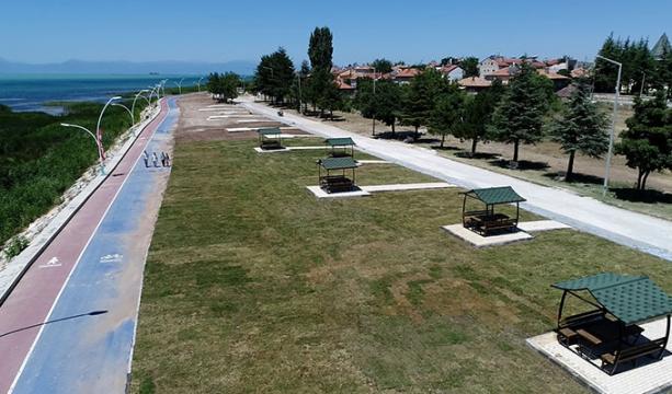 Beyşehir'de göl sahil bandı yenileniyor