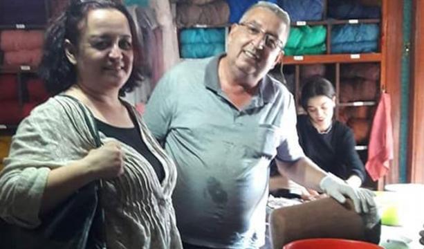Ünlü Keçe Ustası Berberoğlu, misafirperverliğini gösteriyor
