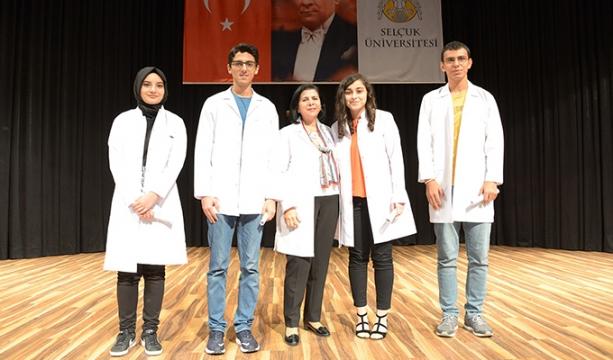 Tıp öğrencilerinin beyaz önlük giyme heyecanı