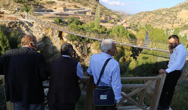 Yerköprü Şelalesi'nde asma köprü çalışmaları