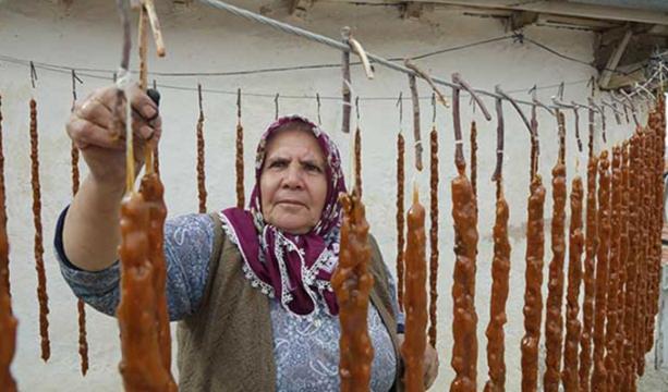 Konya'da üzüm ve cevizden gelen lezzet